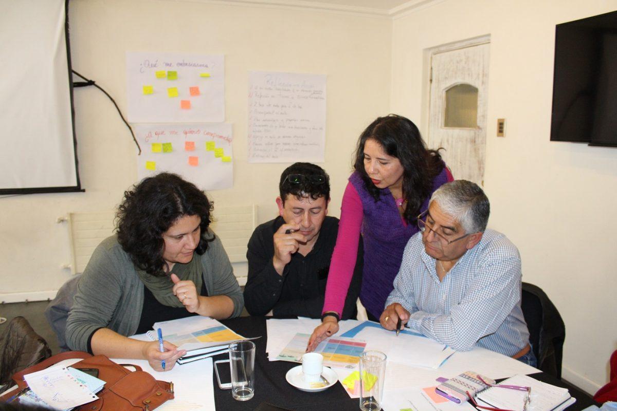 Foto post: ¿Exceso de obligaciones administrativas? Si eres director o directora participa en esta encuesta