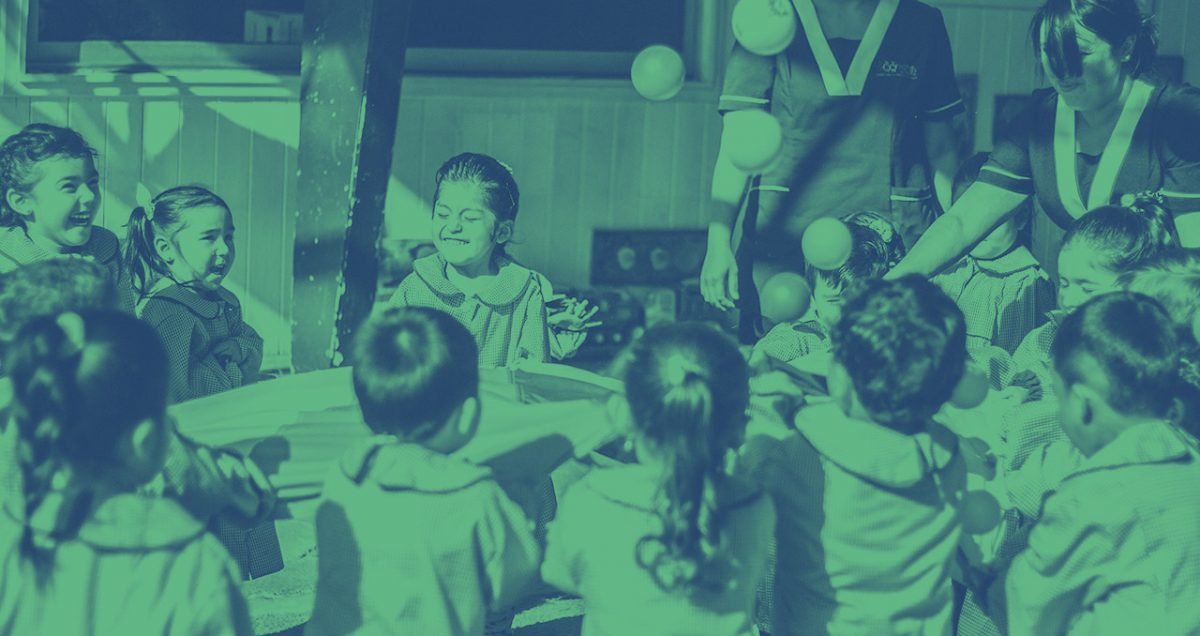 Foto post: Así es un centro educativo donde niños, niñas y familias aprenden en conjunto