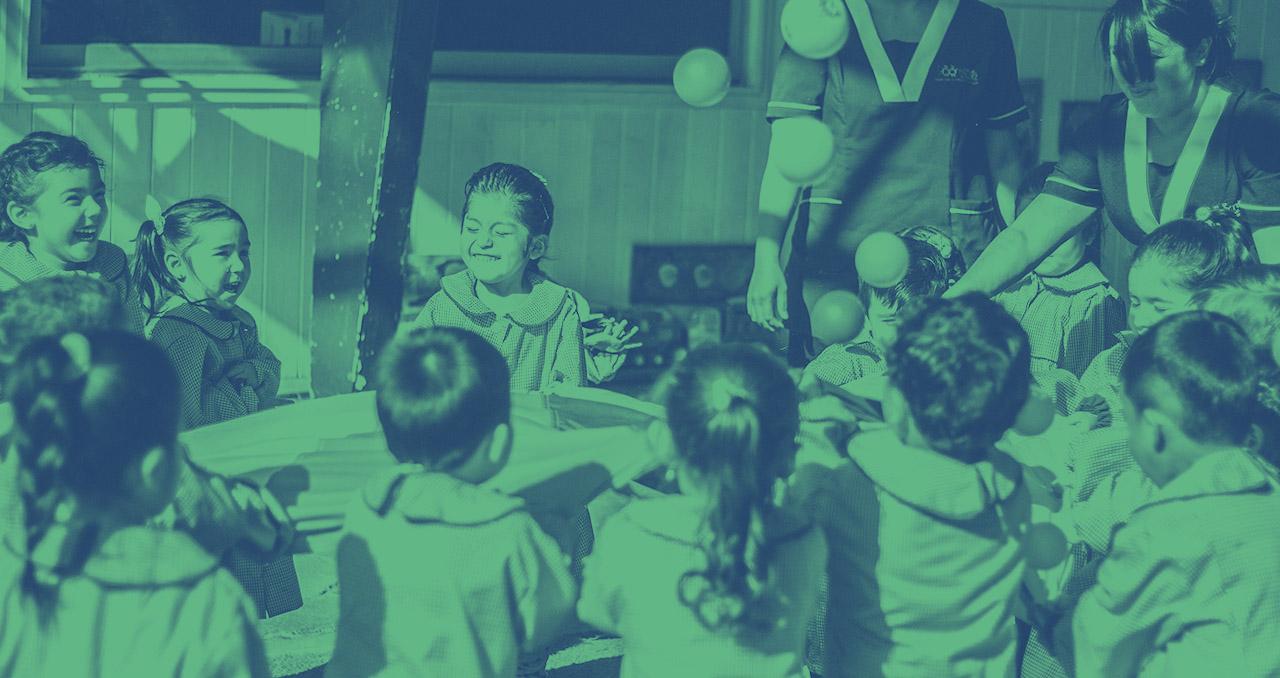Imagen de Así es un centro educativo donde niños, niñas y familias aprenden en conjunto